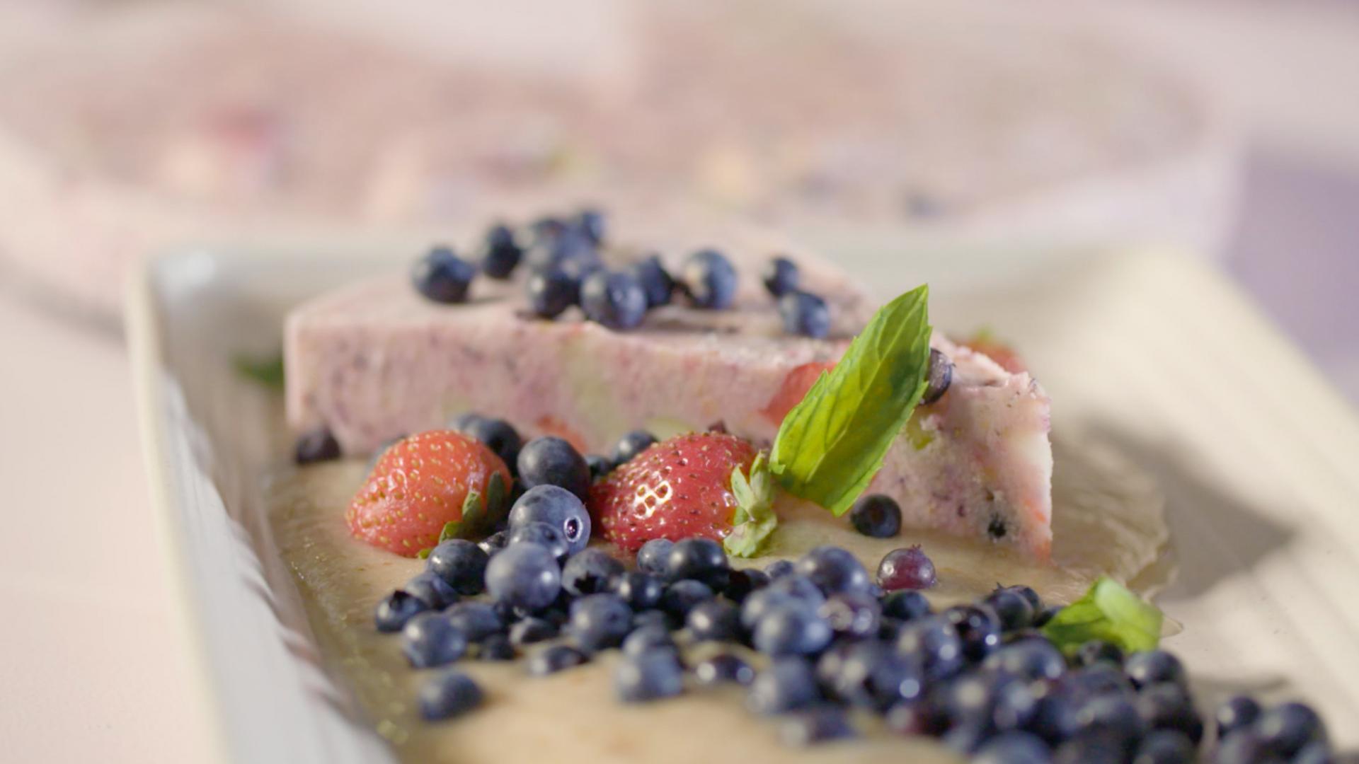 Gateau_glace_aux_petits_fruits_recette_anti_gaspillage_alimentaire_a_vos_frigos